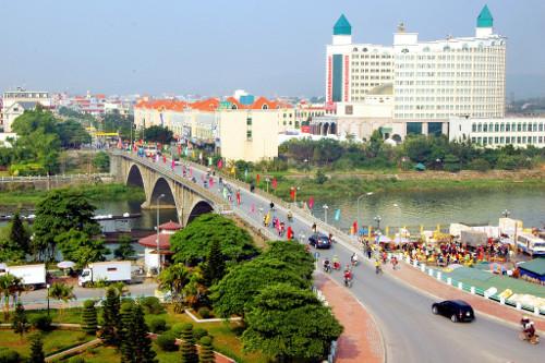 100 ôtô tự lái Trung Quốc được vào Việt Nam mỗi ngày