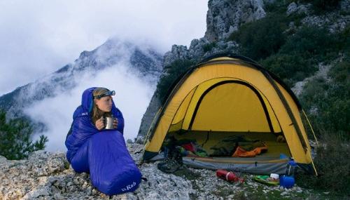 Những vật dụng không thể thiếu cho buổi cắm trại qua đêm