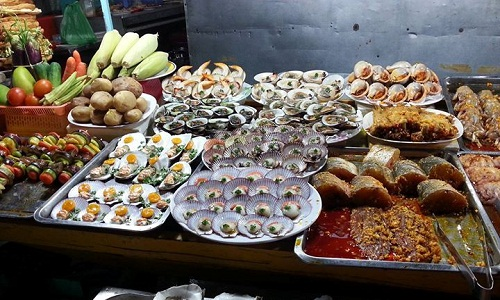 Chợ đêm Phú Quốc có nhà vệ sinh miễn phí