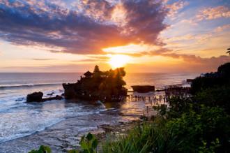 Ai cũng có một mối tình ở Bali