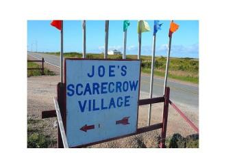 Độc đáo làng bù nhìn ở Canada