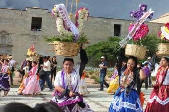 Mexico sôi động với lễ hội Guelaguetza