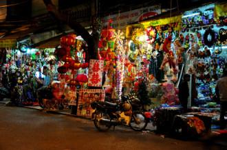 Hàng Mã, phố trang trí của người Hà Nội