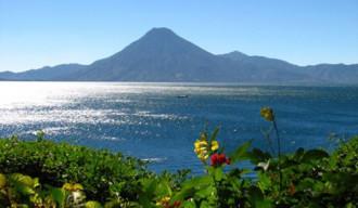 Hồ Atitlan, mụ phù thủy của Guatemala