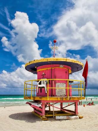 Những trạm cứu hộ đầy màu sắc ở bờ biển Miami