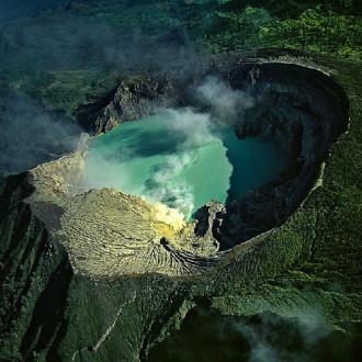 Địa ngục kỳ ảo ở Indonesia