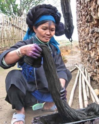 Trang sức độc đáo của người Hà Nhì