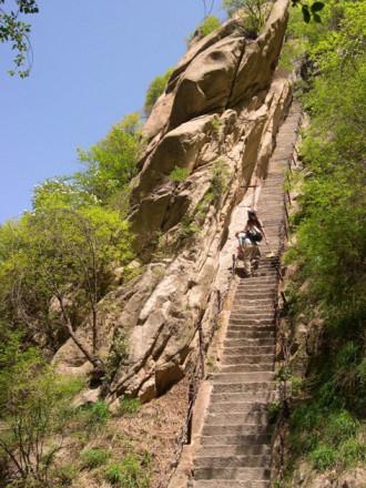 Những bậc thang lên 'thiên đường' ở Trung Quốc