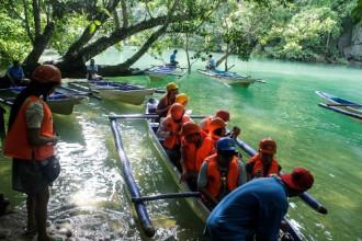 Dòng sông chảy ngầm dưới biển Philippines