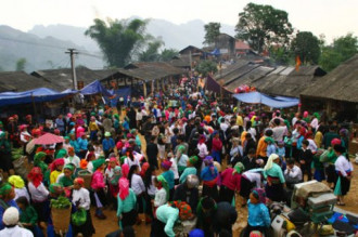 Phiên chợ 'ngoại tình' độc đáo ở Việt Nam