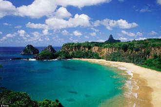 10 bãi biển đẹp tựa thiên đường trên thế giới