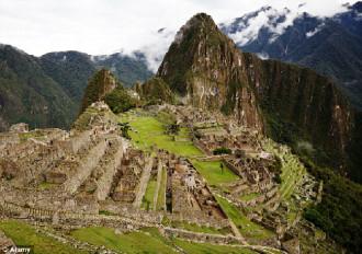 Bảo vệ rượt đuổi du khách khỏa thân tại Machu Picchu