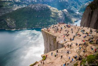 Cảnh đẹp của vách đá Preikestolen
