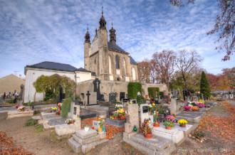 Nhà thờ trang trí bằng xương và sọ người ở Czech
