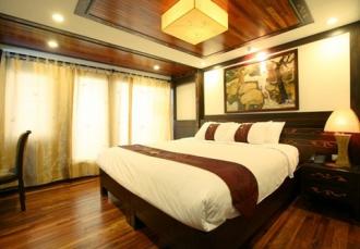 Du lịch Hạ Long với Indochina Sails