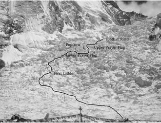Tuyết lở trên đỉnh Everest khiến nhiều người thiệt mạng