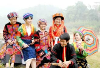 Những phiên chợ đậm sắc màu ở cao nguyên đá Hà Giang
