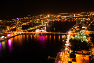 Ngắm toàn thành phố Đà Nẵng từ quán bar