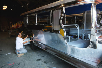 Vòng quanh Manila bằng xe Jeepney