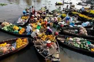 Cây bẹo – cách quảng cáo độc đáo vùng sông nước