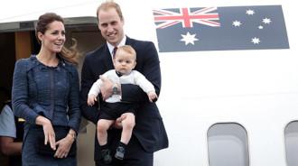 Người Anh ghét ngồi cạnh cặp đôi tình tứ trên máy bay
