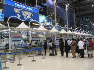 Thái Lan vẫn miễn thị thực hoàn toàn cho người Việt Nam