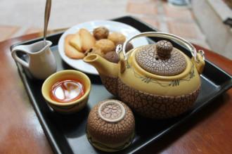 3 quán 'ăn bánh uống trà' thảnh thơi ở Sài Gòn