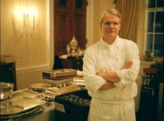 """Cận cảnh công việc của """"siêu đầu bếp"""" phục vụ Tổng thống Mỹ"""