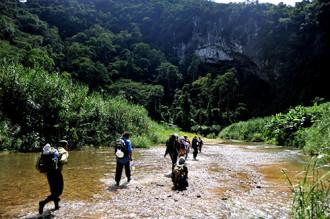 Hang lớn nhất thế giới Sơn Đoòng ngày càng hấp dẫn du khách