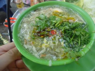 Hàng quán vỉa hè hấp dẫn khách Sài thành