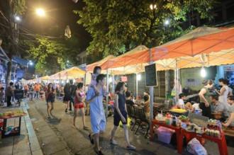 Người Hà Nội hào hứng chào đón phố ẩm thực mới