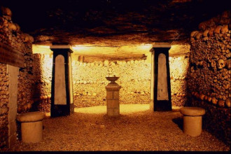 Có 1 nghĩa trang rộng hàng trăm cây số ở dưới lòng đất Paris