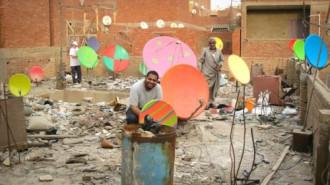 Họa sĩ biến ăngten chảo ở Cairo thành tác phẩm nghệ thuật
