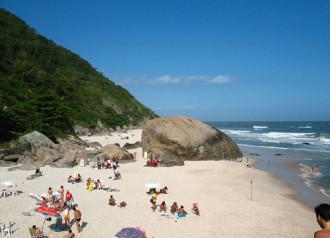 Rio de Janeiro mở cửa bãi tắm khỏa thân đầu tiên