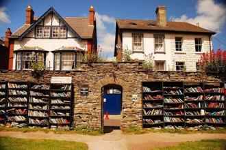 Thị trấn sách nổi tiếng nhất xứ Wales
