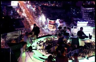 3 quán bar sôi động về đêm ở Sài Gòn