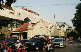 4 ngôi chợ lâu đời và thú vị ở Hà Nội