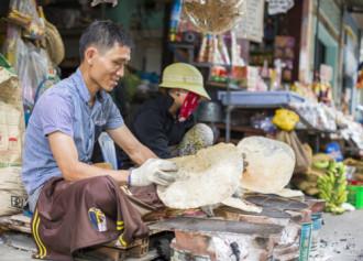 Chợ xứ Quảng giữa lòng Sài Gòn