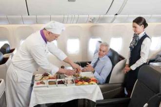 Điều bạn chưa biết về những suất ăn trên máy bay