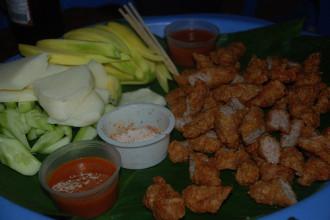 5 khu vực nổi tiếng với nem chua rán ở Hà Nội
