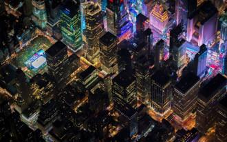 Ngắm vẻ đẹp huyền ảo của New York về đêm từ trực thăng