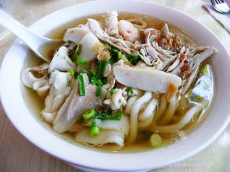 Bánh canh, hủ tiếu đậm hương vị biển Vũng Tàu