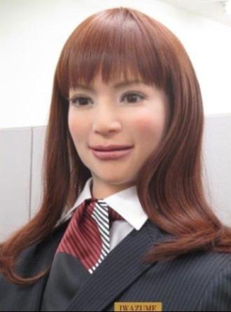 Khách sạn chỉ toàn robot phục vụ ở Nhật Bản
