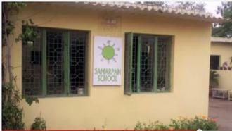 Lớp học được xây dựng từ 6.000 vỏ chai nhựa rác thải