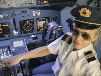 Lý do ít phi công là phụ nữ