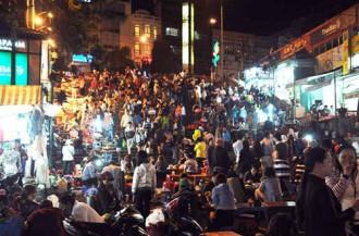 Nhộn nhịp chợ đêm Đà Lạt