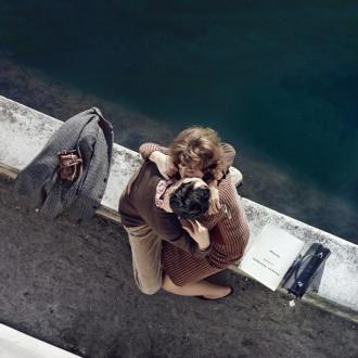 Vẻ đẹp lãng mạn của sông Seine qua những nụ hôn