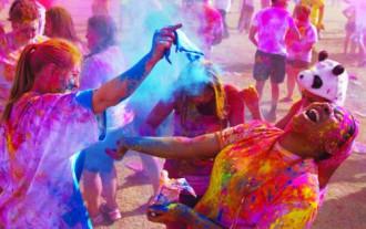 Holi - cuộc chiến sắc màu ở Ấn Độ