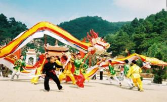 Những trò chơi dân gian trong lễ hội mùa xuân Côn Sơn