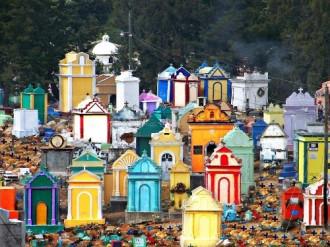 Thế giới đầy màu sắc của người chết ở Guatemala